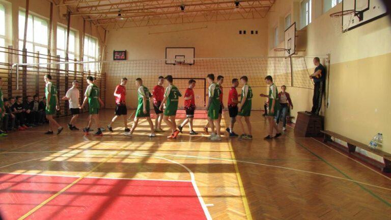 Turniej piłki siatkowej chłopców o Puchar Dyrektora Szkoły [ZDJĘCIA]