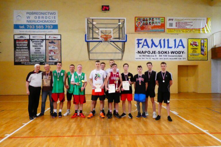 Mechan wicemistrzem Powiatu w koszykówce!!!